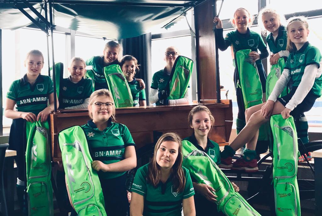 MiCare Werkt Breda sponsort Hockeyteam Push